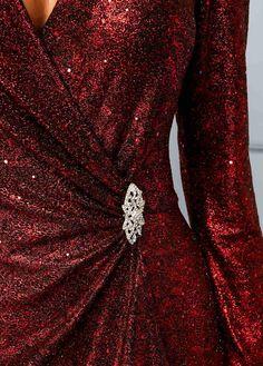 190e8f8ba04 13 Fascinating long sequin dress images