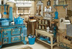 German wooden kitchen with rare stove and numerous accessories kitchen accessories Miniature Rooms, Miniature Kitchen, Miniature Houses, Miniature Furniture, Doll Furniture, Dollhouse Furniture, Mini Kitchen, Toy Kitchen, Wooden Kitchen