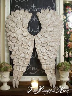The Pineapple Room: Angel Wings diy Wooden Angel Wings, Diy Angel Wings, Wings Diy, Wood Angel, Angel Wings Wall Decor, Holiday Crafts, Fun Crafts, Diy And Crafts, Paper Crafts