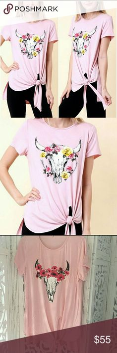 PREORDER!! Cattle Head Knot Top Short sleeve bevo style knot top, covers bottom in the back. Fits true to size.  Material- Polyester and Spandex High quality material. Tops Tees - Short Sleeve