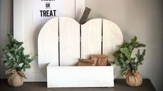 $10 DIY Wood Pumpkin Treat Holder Sand Projects, Easy Diy Projects, Used Pallets, Wood Pumpkins, Treat Holder, Wood Cutouts, Wood Glue, Ana White, Diy Wood