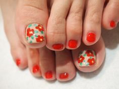 Crafty Pedicure Nail Art Designs; looks easy. I think I can do this on myself!