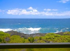 Whale House (Hilo) Stunning ocean views while dining or lounging from our wraparound lanai.