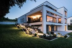Haus DIA – Kerschberger Architekten - Hints for Women Hillside House, Architect House, Luxury Apartments, Modern House Design, Exterior Design, Future House, Architecture Design, House Plans, Mansions