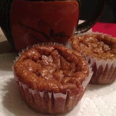 Get your pumpkin pie fix with this gluten-free muffin recipe. It's like having pumpkin pie for breakfast! Sin Gluten, Gluten Free, Pumpkin Pie Muffins, Pumpkin Puree, Beyond Diet Recipes, Breakfast Recipes, Dessert Recipes, Breakfast Bites, Healthy Desserts