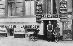 Berlin, Mitte - Jewish bakery in the Scheunenviertel - 1926