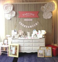 tartine paperie booth for bridal boudoir