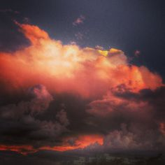 Nuvens de Fogo. ] Ano 2014