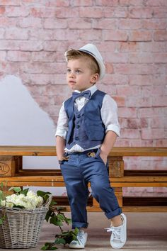 Boys Wedding Suits, Wedding Page Boys, Little Boy Fashion, Kids Fashion Boy, Baby Boy Outfits, Kids Outfits, Pretty Flower Girl Dresses, Baby Boy Swag, Boys Clothes Style