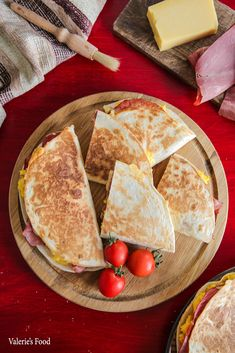 Tacos, Quesadilla, Tortillas, Deserts, Cheese, Ethnic Recipes, Food, Pizza, Fine Dining