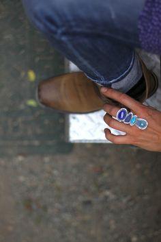 Blue Gemstones:  • Zafiro • Tanzanita • Topacio Blue Gemstones at GemSelect • Circón • Espinela • Aguamarina • Apatita • Lapislázuli • Turmalina • Turmalina Paraiba • Piedra de luna arco iris • Iolita • Cianita • Ágata • Fluorita