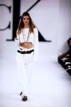 because of the coolness attitude via Kate Moss on the early catwalks from Calvin Klein, early WHITE OUTFIT 90s Fashion, Runway Fashion, High Fashion, Skinny Fashion, Christy Turlington, Gwyneth Paltrow, Carrie Bradshaw, Coco Chanel, Calvin Klein Summer