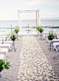 15 romantische, simple Hochzeitsfeier Ideen - http://freshideen.com/hochzeitsdeko/hochzeitsfeier-ideen.html