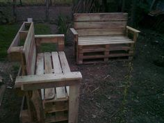 Beautiful Garden Benches From Reclaimed Wooden Pallets  #garden #outdoor #palletbench #recyclingwoodpallets Rustic garden benches made of wooden pallets.   ...