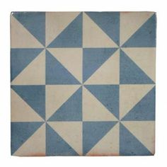 Avec un motif comme les carreaux de ciment, mais 10 fois plus facile à entretenir et bcp plus résistant.