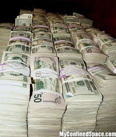 I am a money magnet and money flows effortlessly with abundance to me nonstop Show Me The Money, How To Make Money, Pretty Little Lies, Mo Money, Cash Money, Money Bank, Pics Of Money, Money Stacks, Money Affirmations