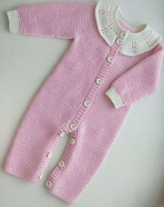 Örgüden Bebek Tulumu Yapımı Making Knit Baby Overalls You are in the right place about Crochet mantas Here we offer you the most beautiful pictures. Baby Knitting Patterns, Knitting Blogs, Knitting For Beginners, Knitting Designs, Turban Hut, Baby Overalls, Moda Emo, Baby Coat, Cool Braids