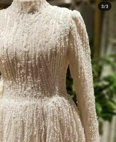 Fancy Wedding Dresses, Pretty Prom Dresses, Weeding Dress, Party Wear Dresses, Elegant Dresses, Hijab Fashion, Fashion Dresses, Golden Dress, Moda Emo