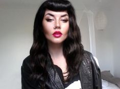 Edgy pinup look with with fuchsia lip