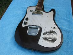 Silvertone Guitar Old Built in Amp RARE USA 1960's