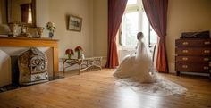 Take exclusive hire of this enchanting and magical Castle. There is stunning period décor superbly blended with modern luxuries offering a unique opportunity to get married and stay in a traditional castle with its own chapel, huge fireplaces, beamed ceilings and hallways adorned with armour. We only work with the[...]