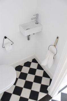 Toilet Room, Bath Mat, Sweet Home, New Homes, Shower, Interior Design, Bathroom, Klein Toilet, Home Decor