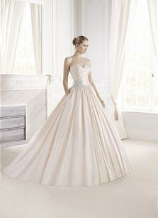 Pronovias Eugenia Wedding Dress