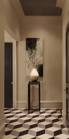 In Situ | Rear Entry at the ASO Decorator Show House | designed by Nina Nash with Matthews Furniture | #dkGallery