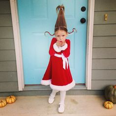 Supermom vs Me - Halloween DIY Costume- Cindy Lou Who from the Grinch
