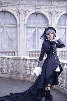 Ciel's hair is actually dark blue but still, damn - Black Butler Kuroshitsuji Ciel Phantomhive cosplay