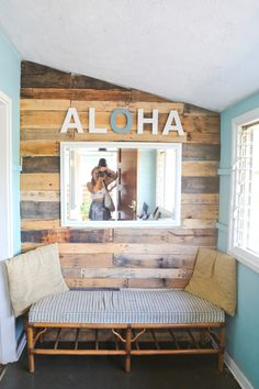 Surfing holidays is a surfing vlog with instructional surf videos, fails and big waves Surfboard Decor, Surf Decor, Surf Style Decor, Surfer Bedroom, Teal Beach Bedroom, Surfer Girl Bedrooms, Girls Bedroom, Decoration Surf, Deco Surf