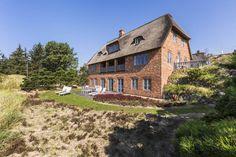 Südansicht mit Terrasse und Loggia : Classic style houses by Ralph Justus Maus Architektur