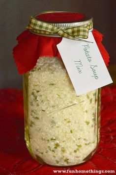 Soup mixes make such great gifts. Not only are they a perfect homemade gift for neighbors and teachers, but also for the campers in your life. Since all you need is boiling water, this mix is one o… (Homemade Mix In A Jar) Dry Soup Mix, Soup Mixes, Spice Mixes, Mason Jar Mixes, Mason Jars, Glass Jars, Candle Jars, Homemade Soup, Homemade Gifts