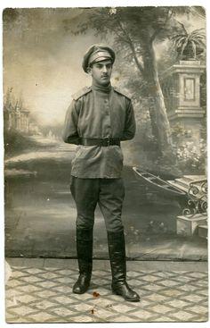 Вольноопределяющийся 71-го пехотного Белевского полка.