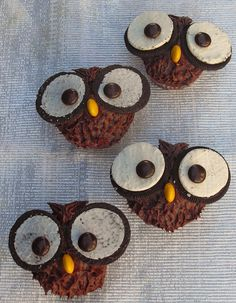 Cupcake Owl CakeCupcake Owl Cake @Zulika Ismail Ismail Ismail✨ @Marina Zlochin Zlochin Zlochin Souza Ideas for the bday party maybe?