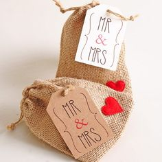 Etiquetas para regalo Mr & Mrs #weddingfavors #favors #wedding