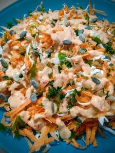 """Cabbage salad with wonderful ala Sofeto sauce.- The salad I recommend to you has strong flavors. It& perfect for evenings where you just want to eat a salad, but not a """"simple"""" salad. Rich in nutrients and flavor, it takes the salad off… - Grilled Italian Chicken, Italian Chicken Dishes, Chicken Recipes For Two, Food Network Recipes, Cooking Recipes, Healthy Recipes, Easy Salads, Easy Meals, Salad Bar"""