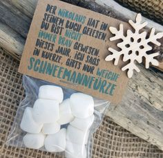 """5 pieces WINE GIFT """"Schneemannfürze"""" gift, white … – About Sweets Diy Gifts For Christmas, Christmas Art, Holiday Gifts, Backyard For Kids, Diy For Kids, Mini Marshmallows, Diy Gifts Last Minute, Christmas Invitations, Guest Gifts"""