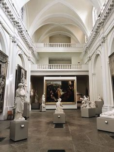 Meet Me at the Museum Aesthetic Art, Aesthetic Pictures, Beaux Arts Lyon, You Are My Moon, Art Gallery, Usa Tumblr, Art And Architecture, Museum Architecture, Art Museum