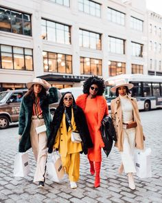 When the whole squad shows up to shut Friday DOWN. ⚡️⚡️⚡️⚡️Whether we have a small group of close friends or an… Black Girl Swag, Black Girl Fashion, Black Girl Magic, Black Power, Street Chic, Street Style, Style And Grace, My Style, Black Girl Aesthetic