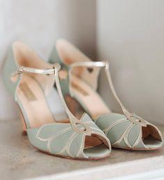 Mint retro heels