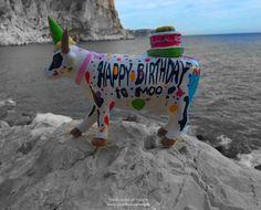 "Vaca pintada a mano ""Happy Birthday"" CowParade"