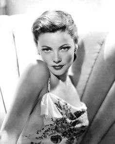 Sorry about how long it took to get this post up! My lovely lady of the week is Gene Tierney! Gene Tierney is SO amazing. Glamour Hollywoodien, Old Hollywood Glamour, Golden Age Of Hollywood, Vintage Glamour, Vintage Hollywood, Classic Hollywood, Old Hollywood Stars, Vintage Beauty, Gene Tierney
