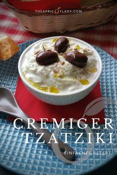 Tzatziki ist bei uns eine beliebte Beilage zu Gegrilltem, aber wir essen ihn auch gerne so zur Jause (Brotzeit). #rezepte #aufstrich #Tzatziki #grillen #bbq Snacks, Dips, Pudding, Salad, Bbq, Desserts, Dressings, Food, Veggie Recipes