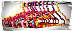 Lindos cabides forrados com tecido 100% algodão em diversas cores e estampas.  Ideal para organizar e decorar ao mesmo tempo.  Ótimo para presentes, lembranças de aniversário, casamento ou uso pessoal. R$ 5,00