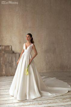 Eva Lendel Less is More 2021 Collection | ElegantWedding.ca