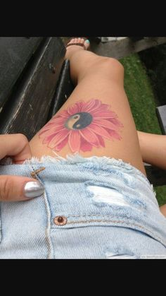 Cute flower yin and yang design tattoo! Love this so much. #inked #hippie #flower