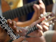 """O Solar Belavista, do SESI/RN, realiza nesta sexta-feira, 30, a partir das 19h30, mais uma edição do Clube do Choro, que reúne, sempre na última sexta-feira de cada mês, os melhores nomes do chorinho potiguar com entrada Catraca Livre. Dessa vez, os músicos da Confraria do Choro, que comandam a noite, receberão como convidado o...<br /><a class=""""more-link"""" href=""""https://catracalivre.com.br/natal/agenda/gratis/o-chorinho-potiguar-desembarca-no-solar-belavista/"""">Continue lendo »</a>"""