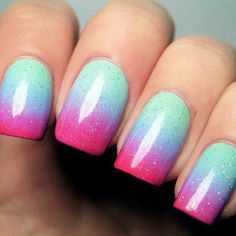 Soft and pretty with mint green nails Gradient Nails, Neon Nails, Diy Nails, Glitter Nails, Cute Nails, Pastel Gradient, Sparkly Nails, Rainbow Nails, Manicure Ideas