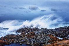 Breaking waves -